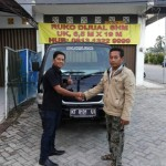 Foto Penyerahan Mobil 4 Sales Marketing Dealer Suzuki Balikpapan