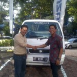 Foto Penyerahan Mobil 5 Sales Marketing Dealer Suzuki Balikpapan