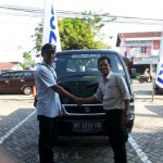Foto Penyerahan Mobil 7 Sales Marketing Dealer Suzuki Balikpapan