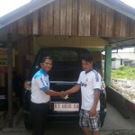 Foto Penyerahan Mobil 8 Sales Marketing Dealer Suzuki Balikpapan
