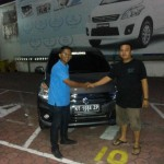 Foto Penyerahan Mobil 14 Sales Marketing Dealer Suzuki Balikpapan